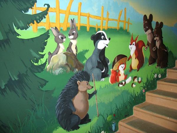 фото рисунки на стене в детском саду